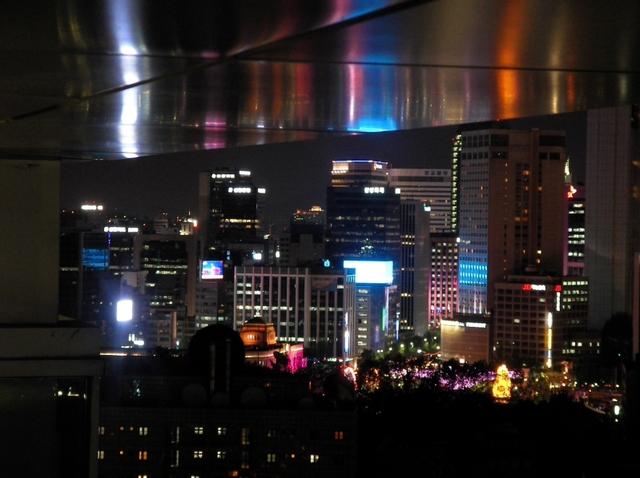 R. 宿泊先レジデンス「バビエン」屋上の夜景(2)